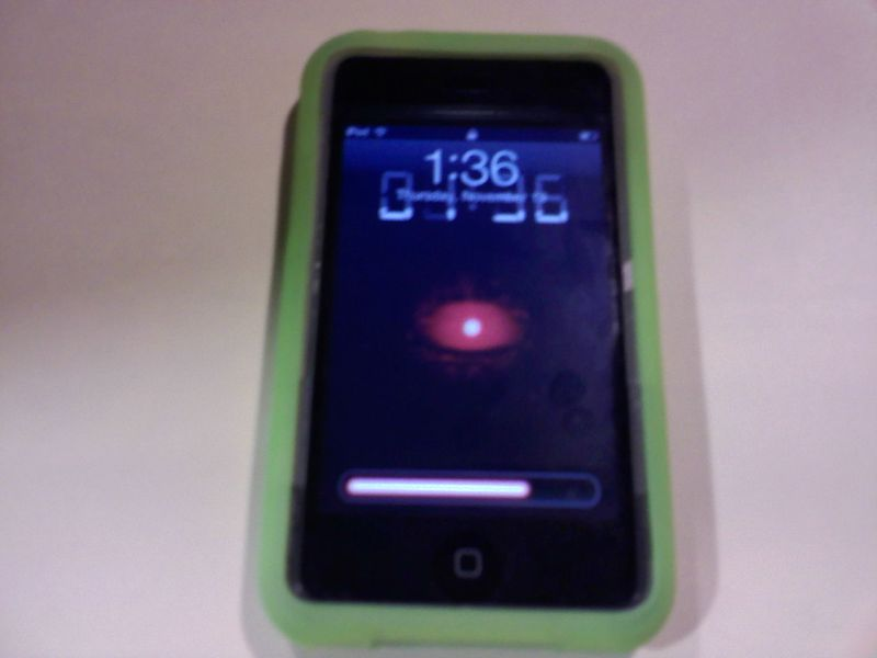 or iPod touch lock screen to the one like on Motorola DROID Milestone.