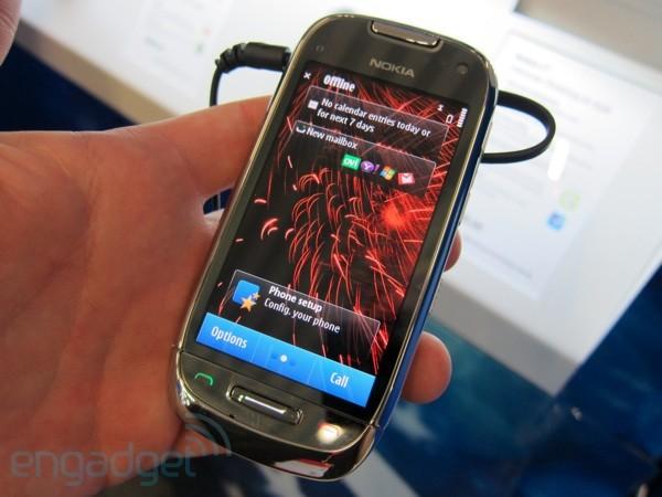 Nokia-c6-hands-on-08-sm