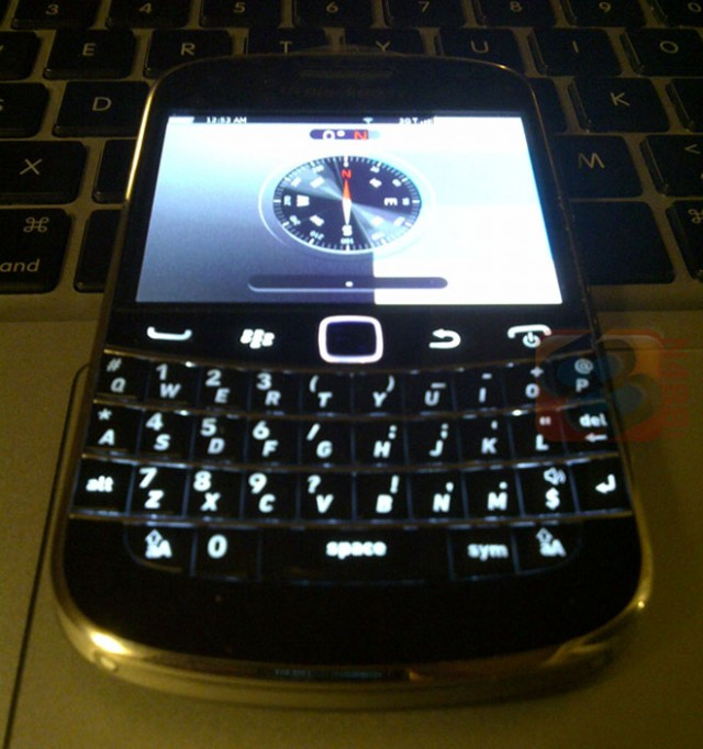 Blackberry-bold-touch-2