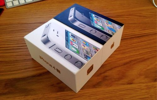 IPhone-4S-packing