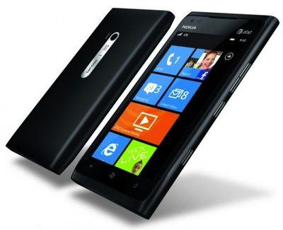 Nokia_lumia_900_black