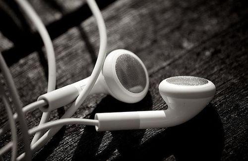 Apple-Earbuds