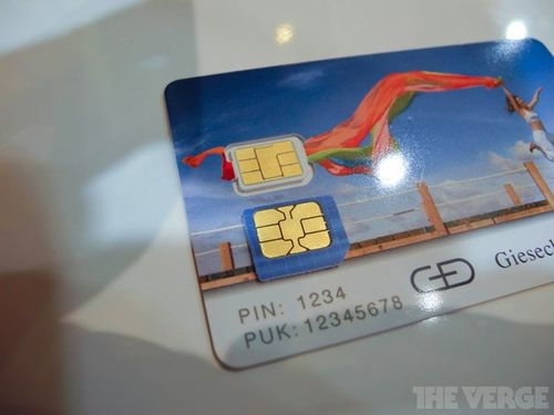 Apple-Nano-SIM-at-CTIA-image-002